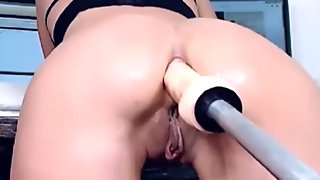 Cam Girl With Fuck Machine